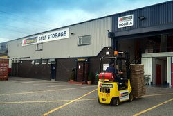 Managed storage: Storage & Removals Walsall 1 Minute J10 M6, Walsall, West Midlands, WS2