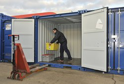 Vehicle storage/shipping container: Car / Motorbike Storage nr Peterborough, Market Deeping, Lincolnshire, PE6