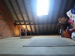 Neighbourhood storage: Spacious loft in Reading, , Reading, RG30